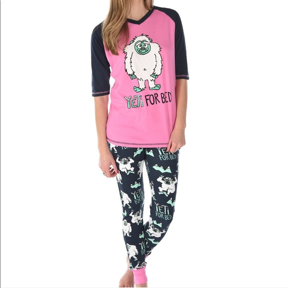 TROPHY WIFE PAJAMA TOP AND BOTTOMS-NEW W//TAGS